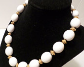 Antique Trifari Signed Choker White Beads with Gold Tone Nugget Inlay Hook Closer 19